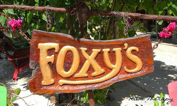 Foxy's-(600)-O