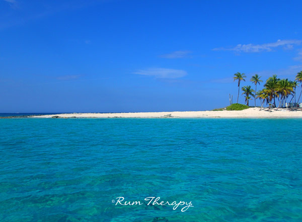 Sandy Cay, Bahamas copyright Rum Therapy