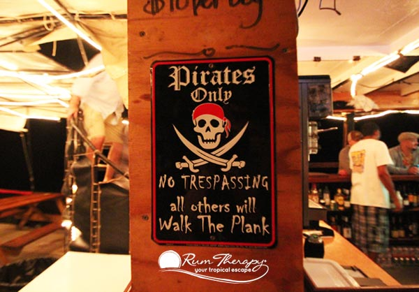 Beach-Bar-Signs-11-(600)-O